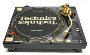 Gramofon DJ-ski marki Technics